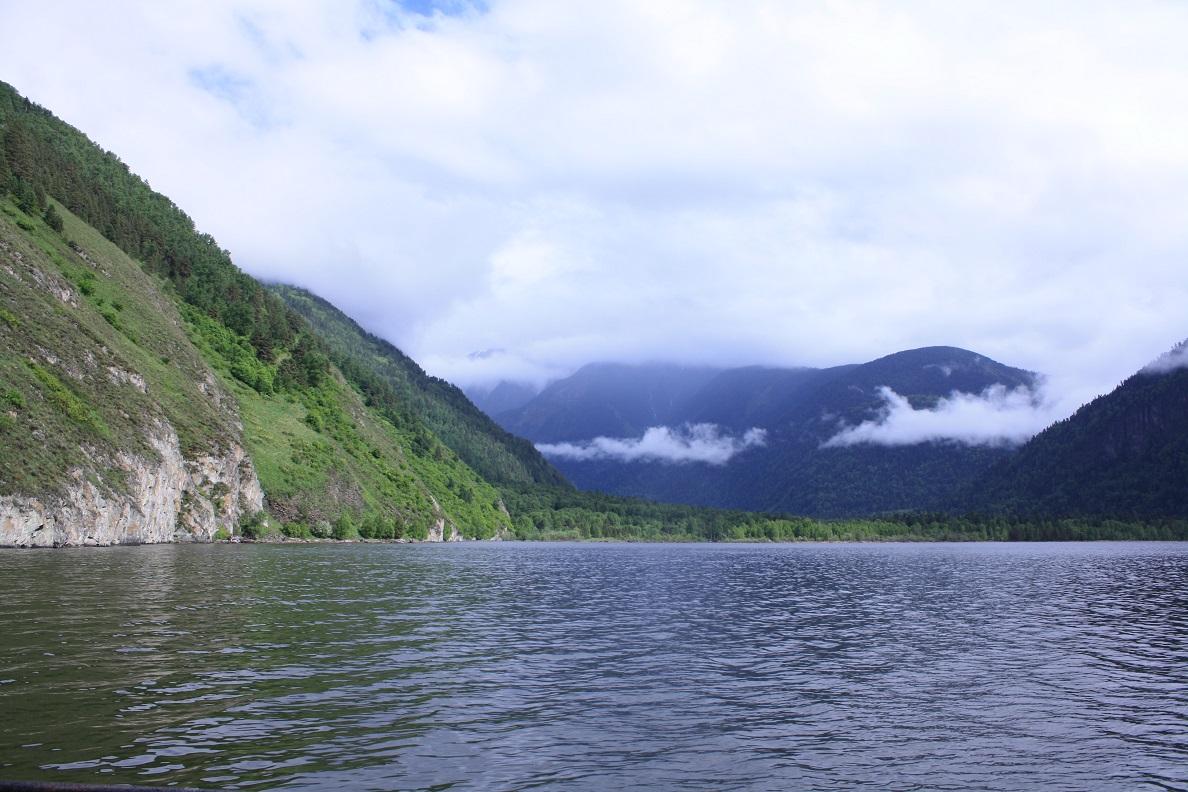 Озеро у кордона