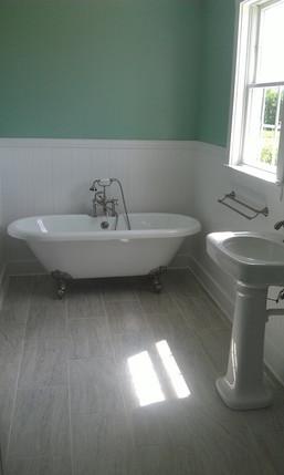 chesser home bathroom.jpg
