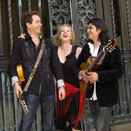 Trio Caliente