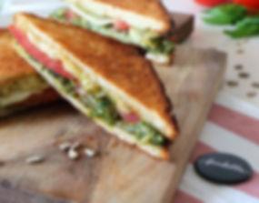 croque-italie-mozzarella-pesto-basilic-tomate-rentree_edited.jpg