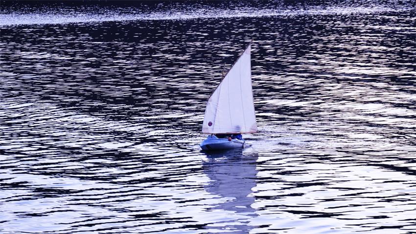 5_basiluzzo sails in diabaig.jpg