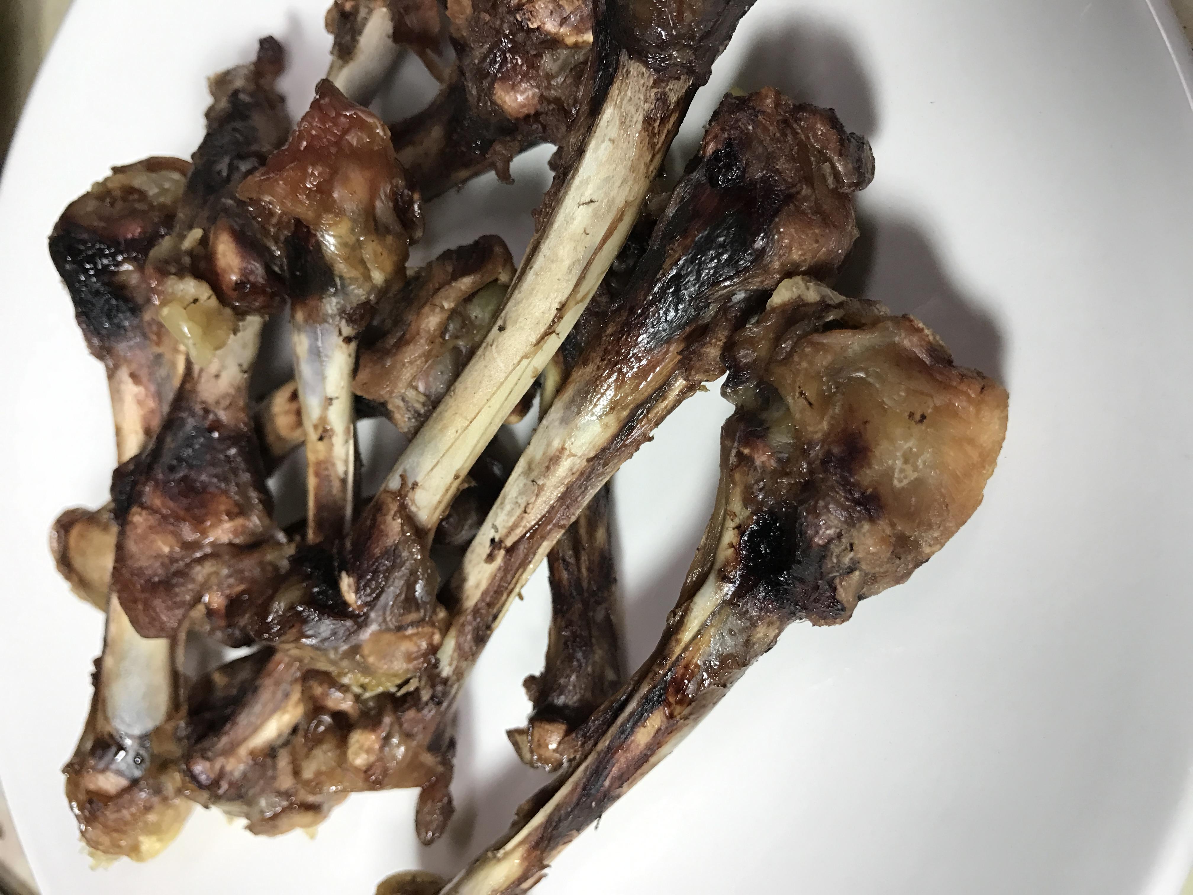 雞骨 Chicken bones