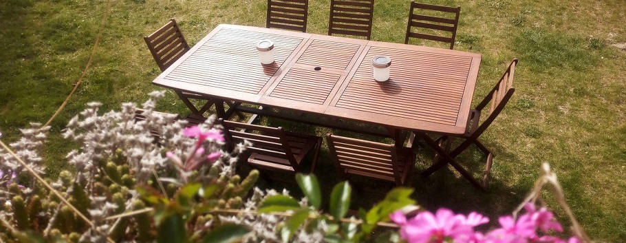 Table teck jardin.jpeg