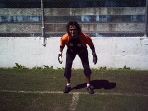 Defesa lateral média e alta