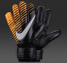 Cara nova nas luvas Nike