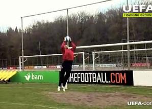 Gomes dá dicas de saídas de gol