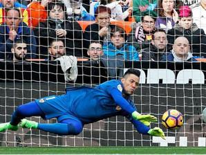 Diego Alves faz história na Espanha