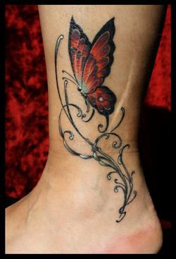 julien-eat-your-bones-tattoo-saintes-valere-tattoo-19