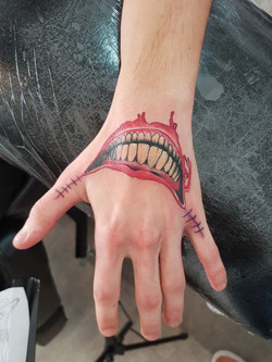 julien-eat-your-bones-tattoo-saintes-valere-tattoo-23