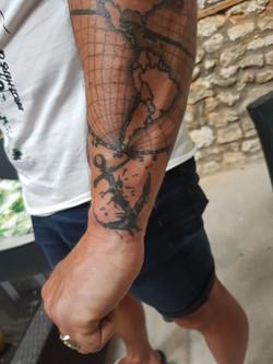 julien-eat-your-bones-tattoo-saintes-valere-tattoo-3
