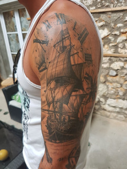 julien-eat-your-bones-tattoo-saintes-valere-tattoo-4
