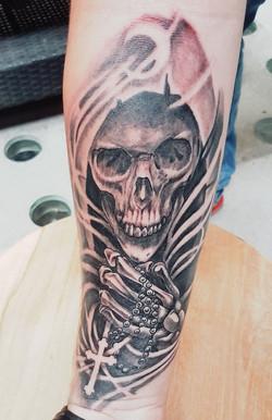 julien-eat-your-bones-tattoo-saintes-valere-tattoo-10