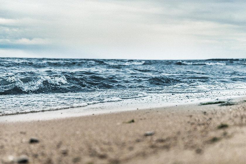 beach-1868672_1280.jpg