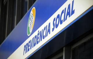 Ataque global de hackers paralisa atendimento do INSS em estados brasileiros.