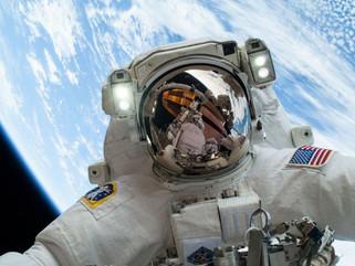 NASA pode ficar sem trajes de astronautas para conclusão de programa espacial.