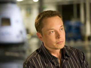 Elon Musk lança empresa para conectar nossos cérebros à Inteligência Artificial.