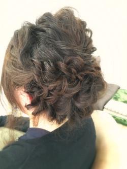 ロープ編みヘア
