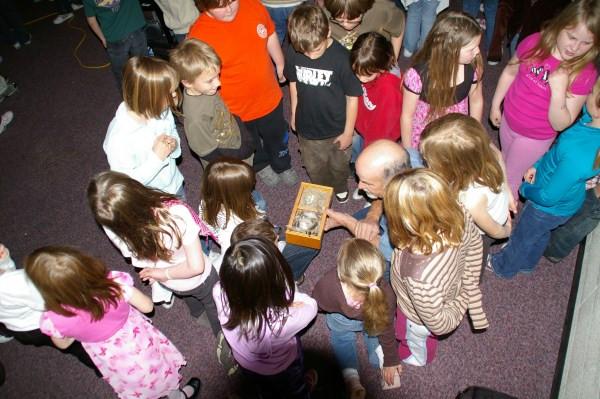 Member Dick Stauffer explaining nesting to kids