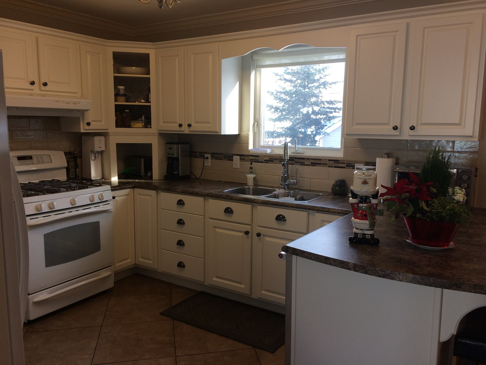 The Spray Shop Moncton S Custom Cabinet Refinishing Experts
