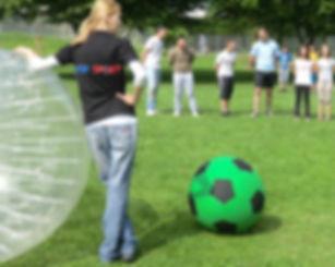 Bubble soccer spielen Turnier.jpg