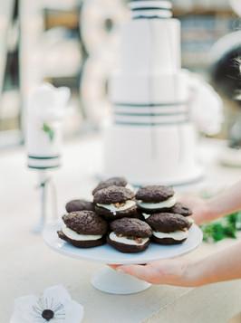 Sweet Table Black & White
