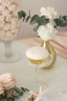 Sweet Table One Golden Stripe