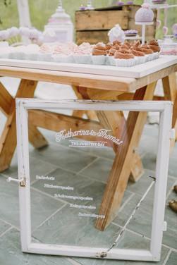 Sweet Table Ruffle Love