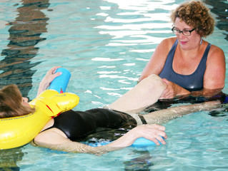 How Aquatic Physical Therapy Helps Joint Replacement Patients