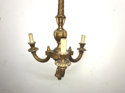 Lampadario Antico In Legno : Antico lampadario in legno foglia d oro