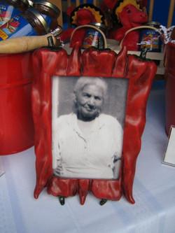 Nuestra Abuelita, Mama Rosa