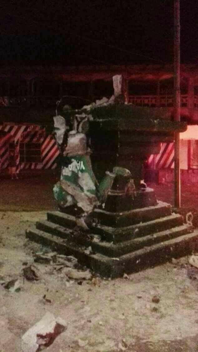 Monumento de la resistencia Indígena destruido