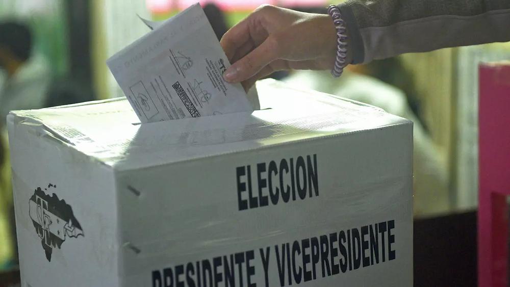 El Consejo Nacional Electoral (CNE) convocó la noche del domingo 13 de septiembre del corriente año a elecciones primarias, a desarrollarse el domingo 14 de marzo de 2021 - Fotografía de AFP por Rodrigo Arangua