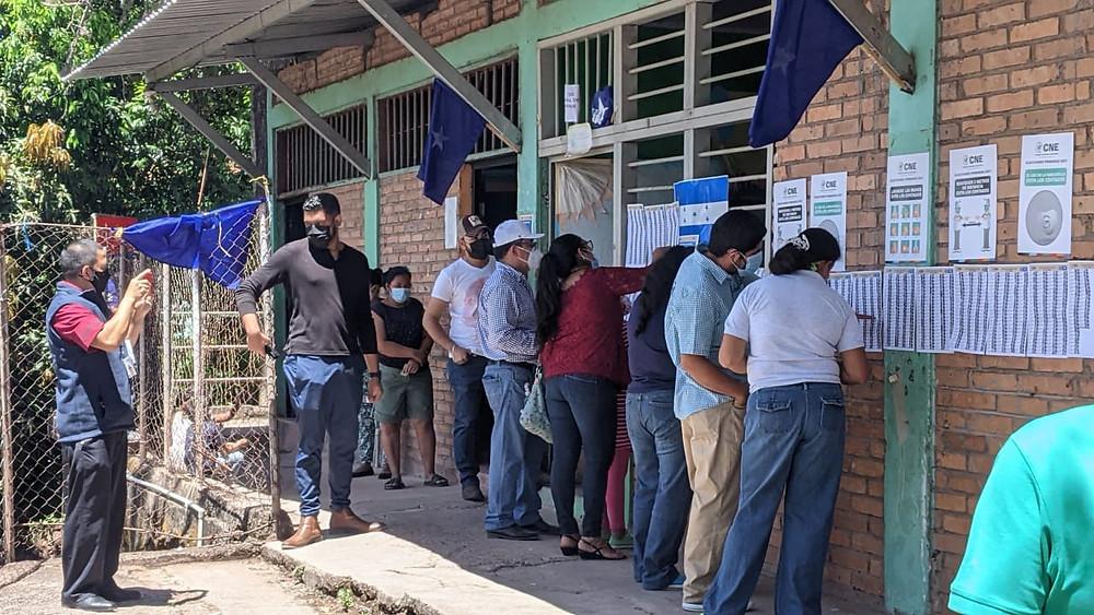 El país centroamericano celebró el este domingo 14 de marzo elecciones primarias bajo tensión e incertidumbre ante los continuos actos de corrupción de varios candidatos, con una oposición dividida y el partido de Gobierno inmerso en acusaciones de narcotráfico | Fotografía de Coyuntura por Marcia Perdomo
