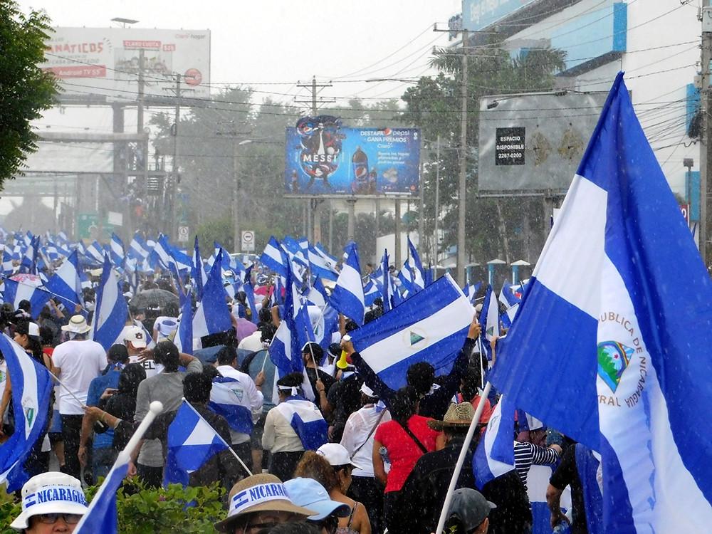 Bajo la lluvia o el sol, Nicaragua sigue luchando - Fotografía de Jairo Videa