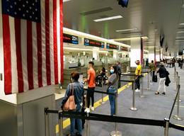 Estados Unidos exigirá prueba negativa de Covid-19 para viajeros en avión