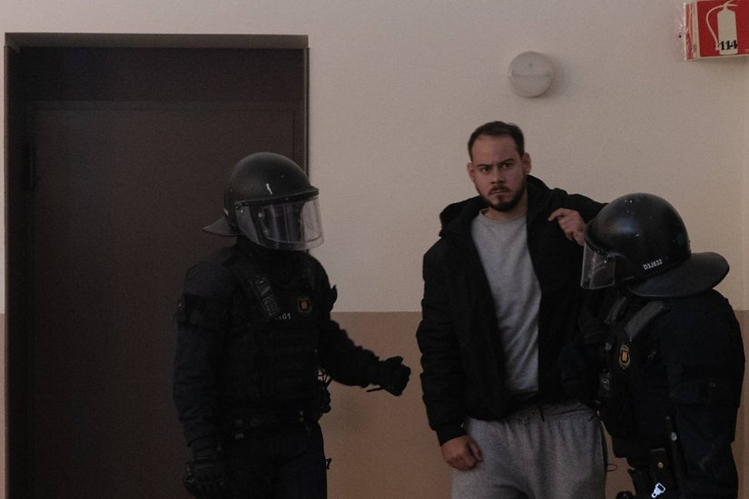 Detenido Pablo Hasél tras atrincherarse en la Universidad de Lleida en España