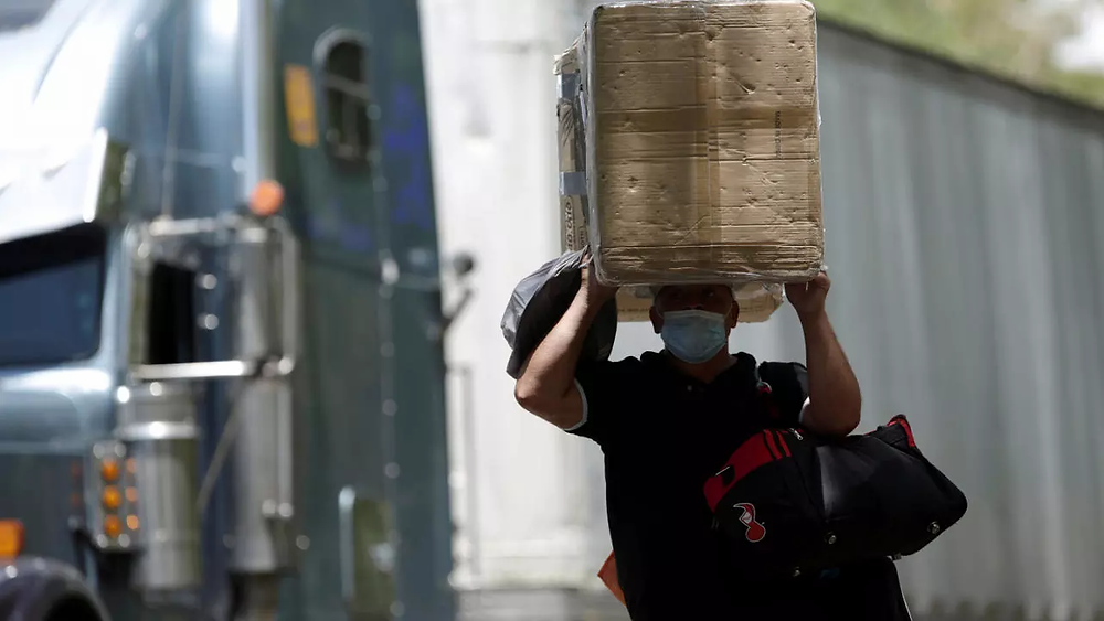 Peñas Blancas es el principal paso fronterizo entre Costa Rica y Nicaragua a pesar de la pandemia - Fotografía de Reuters por Juan Carlos Ulate