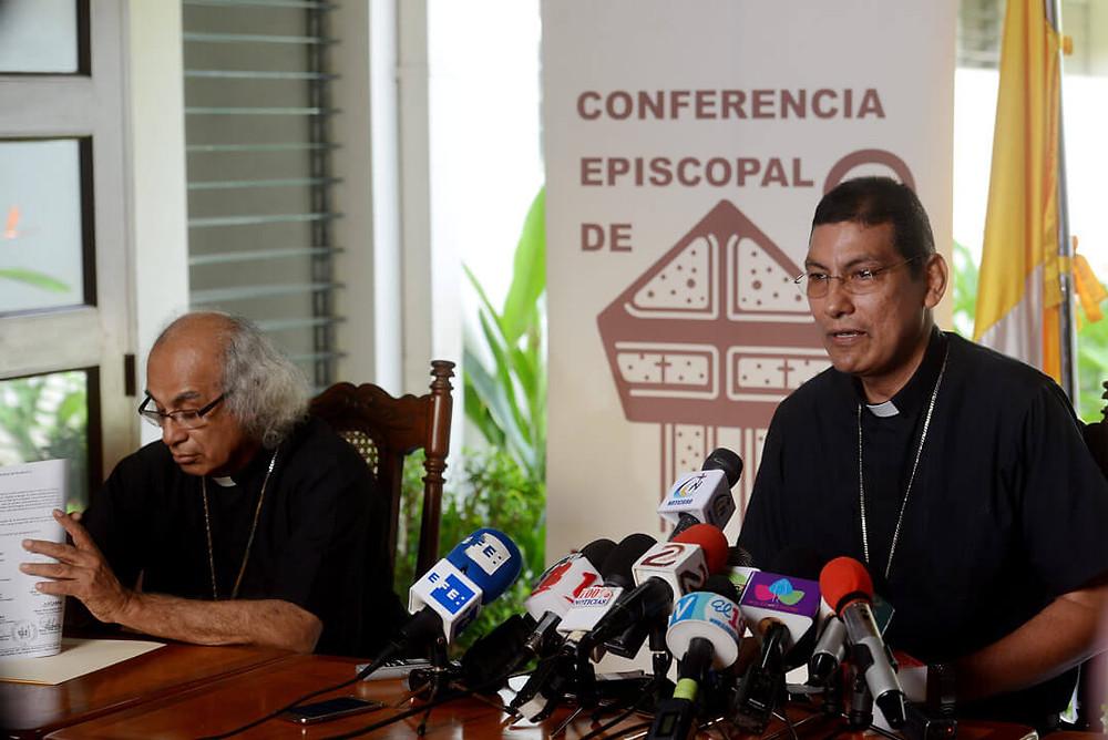 Cardenal Brenes y Mons. Jorge Solórzano / Carlos Herrera - Confidencial