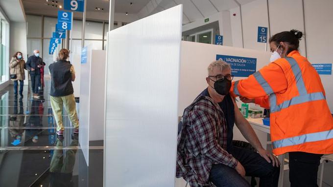 España suspende temporalmente la vacunación contra la Covid-19 con AstraZeneca
