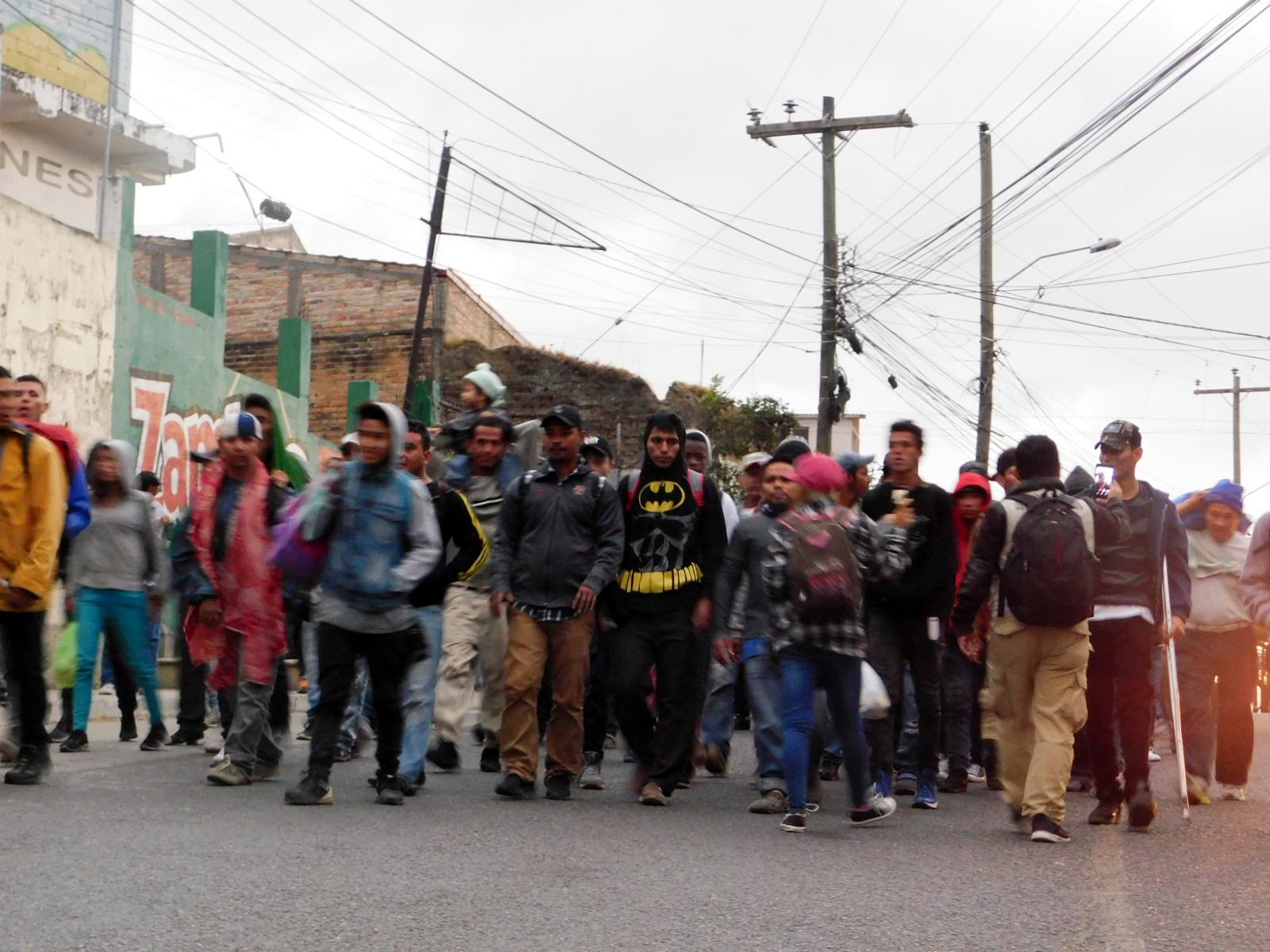 Homosexuales, lesbianas, personas trans y bisexuales también huyen de la discriminación y los crímenes de odios en países como Honduras y El Salvador, en donde se registran asesinatos atroces en contra de la población LGBTIQ.