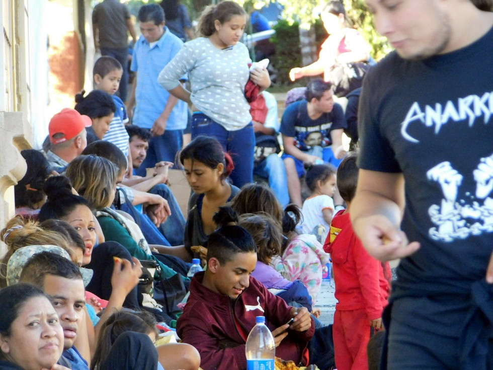 """El equipo de Coyuntura conversó con varios nicaragüenses que decidieron unirse a la caravana para huir de la represión de la dictadura de los Ortega-Murillo en Nicaragua. """"Allá no se puede vivir"""", nos comentó un ex-habitante de Masaya."""