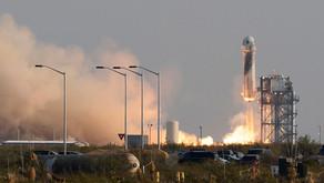 Jeff Bezos vuela con éxito al espacio y abre las puertas a un nuevo negocio millonario