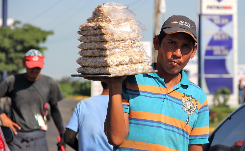 El trabajo informal reina en Nicaragua - Fotografía de La Prensa