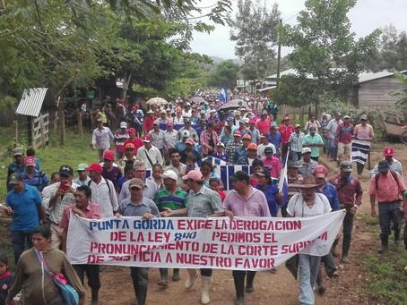 Campesinos firmes contra la Ley 840