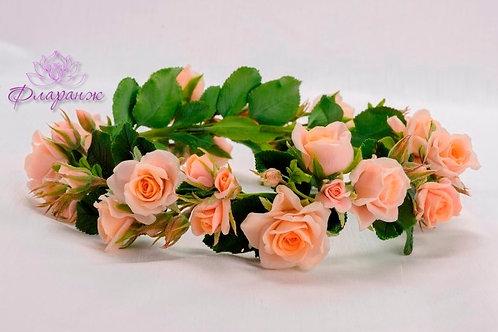 Венок из нежных чайных роз