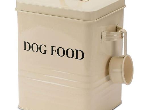 Correct storage of pet foods