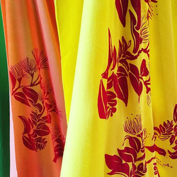 Pareo printing party #kupuaemolokai#printyourown#pareoprintingparty#oneofakind#wearableart#molokaish