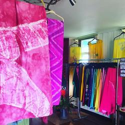 Posted at the Kupu A'e Molokai Shop!! Hele Mai check us out #kupuaemolokai#oneofakind#wearableart#pa