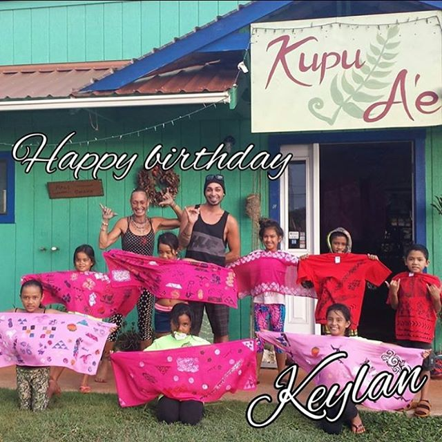 Our first Keiki Pareo Printing Party!! Hau'oli La Hanau Keylan!! #kupuaemolokai#pareoprintingparty#k