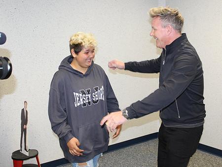 CHEF GORDON RAMSAY SURPRISES 12-year old FAN AND CANCER WARRIOR KALLISTA FLORES